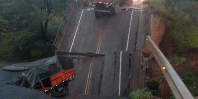 Allanan el MOPC por caída de puente en Tacuati