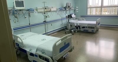 La Nación / Habilitan 8 camas más de UTI en el Hospital Integrado de Ciudad del Este