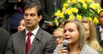 La Nación / Fuerte riña entre Ovelar y Samaniego: ¿Queremos dejar en ridículo al presidente?