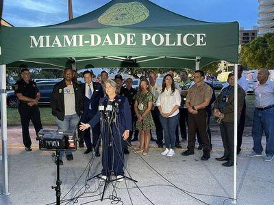 """Derrumbe en Miami: Rescatistas seguirán trabajando """"sin parar por la noche entera"""" y desparecidos siguen rondando el centenar"""