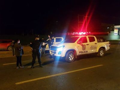 Accidente fatal en zona de la Expo: motociclista fallece tras chocar contra un vehículo estacionado