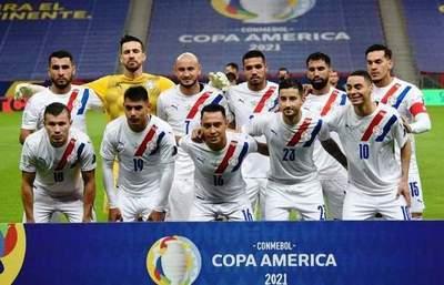 La Albirroja derrota a Chile y elude a Brasil en Cuartos •