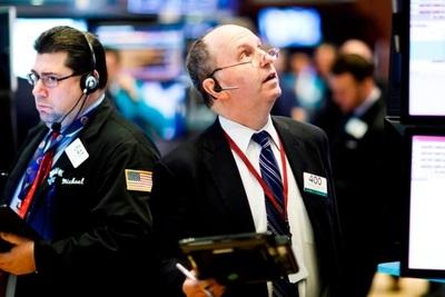 Se derrumban las acciones argentinas en Wall Street tras la salida del país de la categoría de emergente