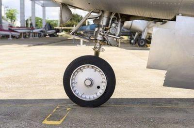 Avioneta aterriza por precaución en una estancia tras problemas técnicos