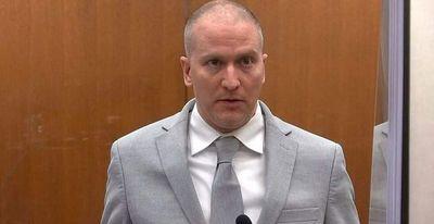 Expolicía es condenado a 22 años y medio de cárcel por asesinato de George Floyd