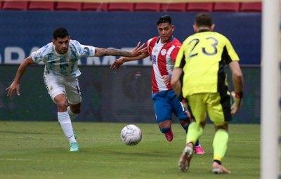 ¿Un grande del fútbol argentino está interesado en Santiago Arzamendia?