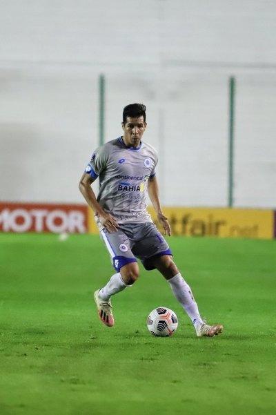 Guaraní hace una oferta formal a Víctor 'Topo' Cáceres