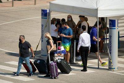 """Preocupa ingreso de """"variante delta"""" y analizan aplicar aislamiento a viajeros"""
