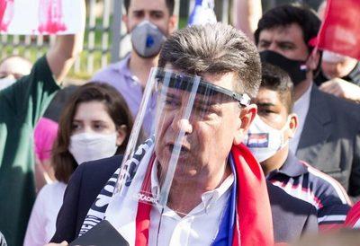 Pese a la campaña de desprestigio, Alegre logró ser reelecto como presidente del PLRA, refieren