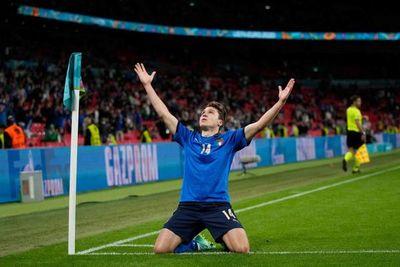 Italia supera a Austria en la prórroga