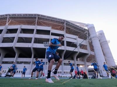 Primer entrenamiento albirrojo en suelo carioca