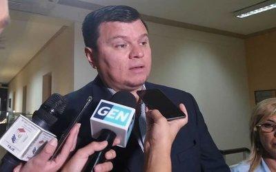 """Ex senador liberal afirma que Alegre tiene """"ínfulas de Virrey"""", pero avisa que le van a pedir cuentas"""