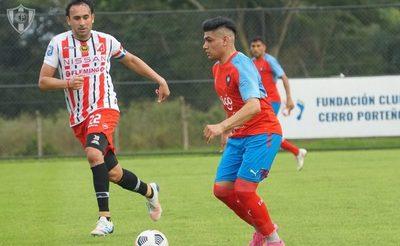 Golazo de Cerro en su primer amistoso, tras 14 pases consecutivos