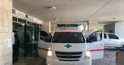 La Nación / Donan ambulancia como compensación por evasión fiscal