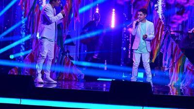 Óscar y Mino Orué alzan   bandera paraguaya en  The Voice Kids 2021