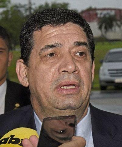 Hugo Velázquez quiere alianza con la oposición y una mujer opositora en su chapa presidencial