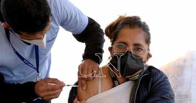 La Nación / Pendientes de vacunación pueden acudir hoy para recibir la primera dosis