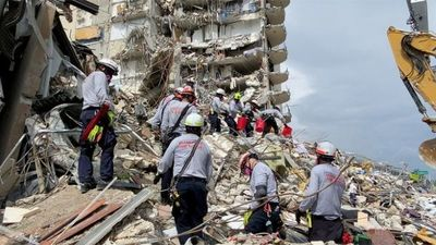 """""""¡Evacúen ya!"""": la estremecedora reconstrucción de los últimos instantes antes del derrumbe del edificio de Miami"""
