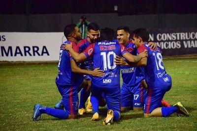 Independiente gana con un triplete de Ferreira