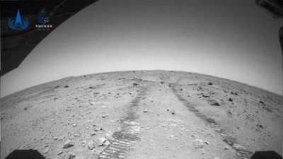 El robot de China en Marte envía  nuevas imágenes del planeta