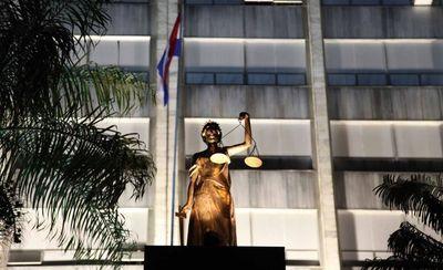 Corte resuleve hoy acciones por pérdida de investidura de exsenadores Amarilla y Bogado