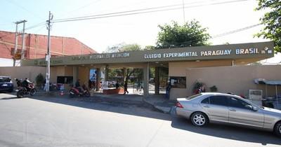 La Nación / Estudiantes de la UNA anuncian movilización de Caacupé a Asunción por cierre de una carrera