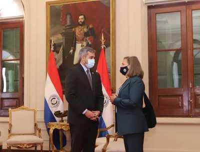 Presidente se reúne con viceministra de Estado para Asuntos Políticos de Estados Unidos