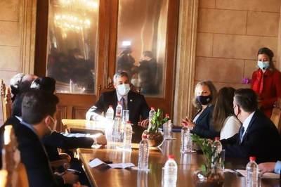 Gobierno resalta visita de alta representante norteamericana y anuncia apoyo significativo para el país