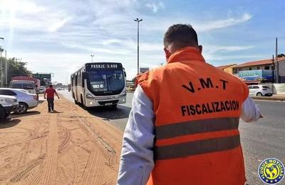 Covid-19: Multan a transportistas por exceso de pasajeros •
