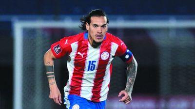 """Mba'e pio la re'uséa"", le retrucó Gómez a un hincha"