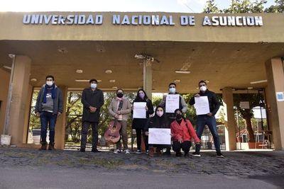 Universitarios repudian cierre de la carrera de Letras en Filo-UNA de Caacupé
