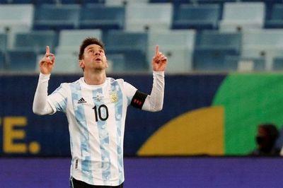 Argentina golea y termina como líder de grupo