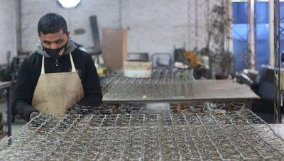 Visitamos El Colchonero González: la primera colchonería del país que mantiene vivo el oficio artesanal e innovador