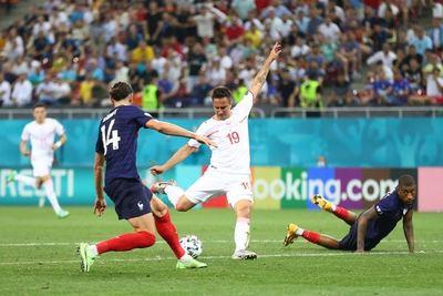 Con drama y fallo de Mbappé Francia queda eliminada de la Euro ante Suiza