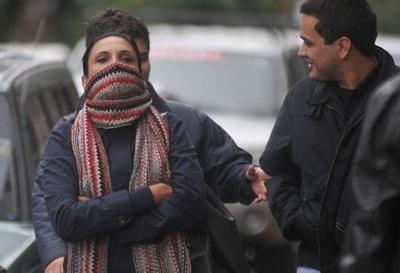 """Frío polar en Paraguay: hay registros de """"caída leve"""" de nieve en el sur del país"""