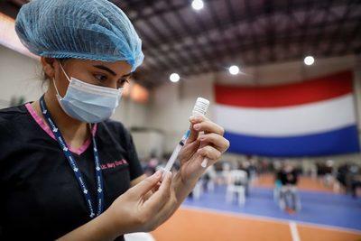 14.000 personas de 50 años en adelante se vacunaron en el primer día