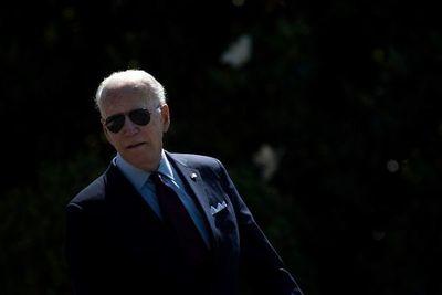 Miami: Biden viajará a Florida este jueves para visitar lugar del derrumbe