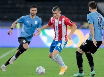 En mala presentación, Paraguay pierde ante Uruguay y jugará ante Perú