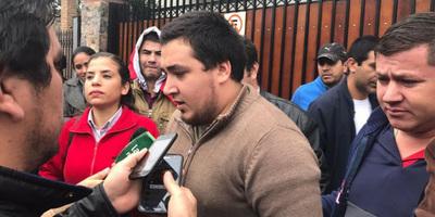 """Incendio del Congreso: Stiben Patrón dice sufrir """"neumonía bilateral"""" y pospone juicio"""