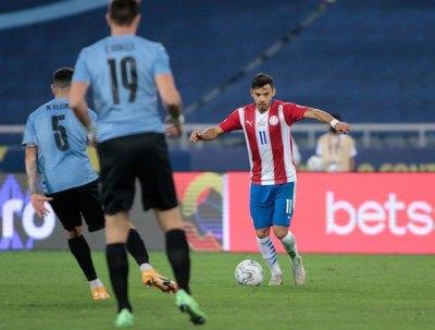 Paraguay ante Uruguay: Más de 110 pelotas perdidas y entre dos delanteros suman casi la mitad