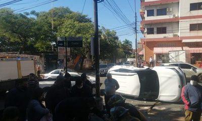 Triple choque se produce en arteria del centro de Asunción