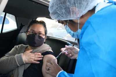Afirman que número de vacunados se quintuplicará con llegada masiva de vacunas
