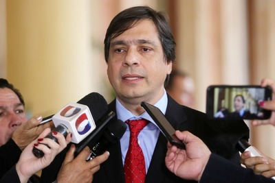 """Presidente del IPS pide """"tranquilidad"""" y asegura que fondos jubilatorios están """"sanos"""""""
