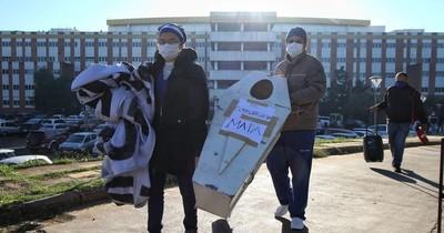 La Nación / Sindicatos de Clínicas marcharán mañana hasta el Ministerio de Salud