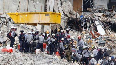 Sube a 12 el número de víctimas en derrumbe de edificio en Miami