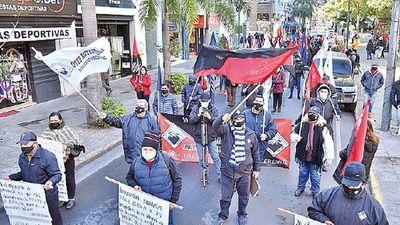 Docentes protestan contra recortes en alimento escolar