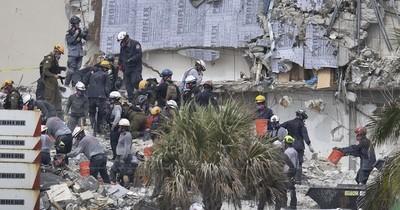 La Nación / Hallan más cuerpos en escombros de edificio derrumbado en Florida