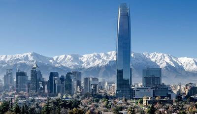 ¿Y la variante Delta? Chile comienza a desconfinar Santiago desafiando los contagios