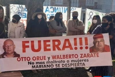 Junta Municipal de MRA suspende por 3 meses sin goce de sueldo a Walberto Zárate y Alan Orué