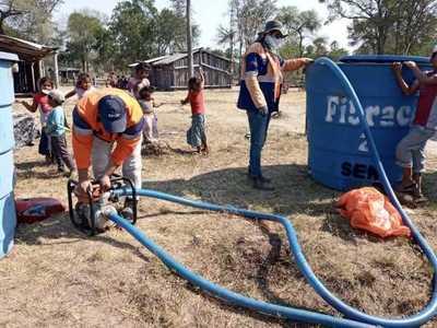 SEN distribuyó 2.100.000 litros de agua a comunidades chaqueñas